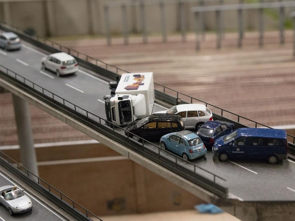 Was diese Autos wohl nicht von sich behaupten können- sonst wäre wohl kaum solch ein Crash entstanden :D