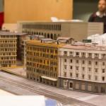 In Rom sind die Fortschritt auf der Anlage im Vergleich zu den anderen Bereichen eher gering gewesen bis jetzt. Vor allem auch, weil die großen Highlights noch in der Fertigung im Modellbau sind. In letzter Zeiten haben aber einige neue Gebäude ihren Platz auf der Anlage gefunden und es wirkt nun schon lebendiger in Rom.
